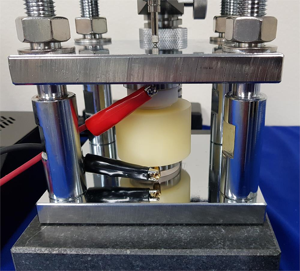 Load Cell Vs Force Sensor: Two Channel Battery Volume Expansion Test System With